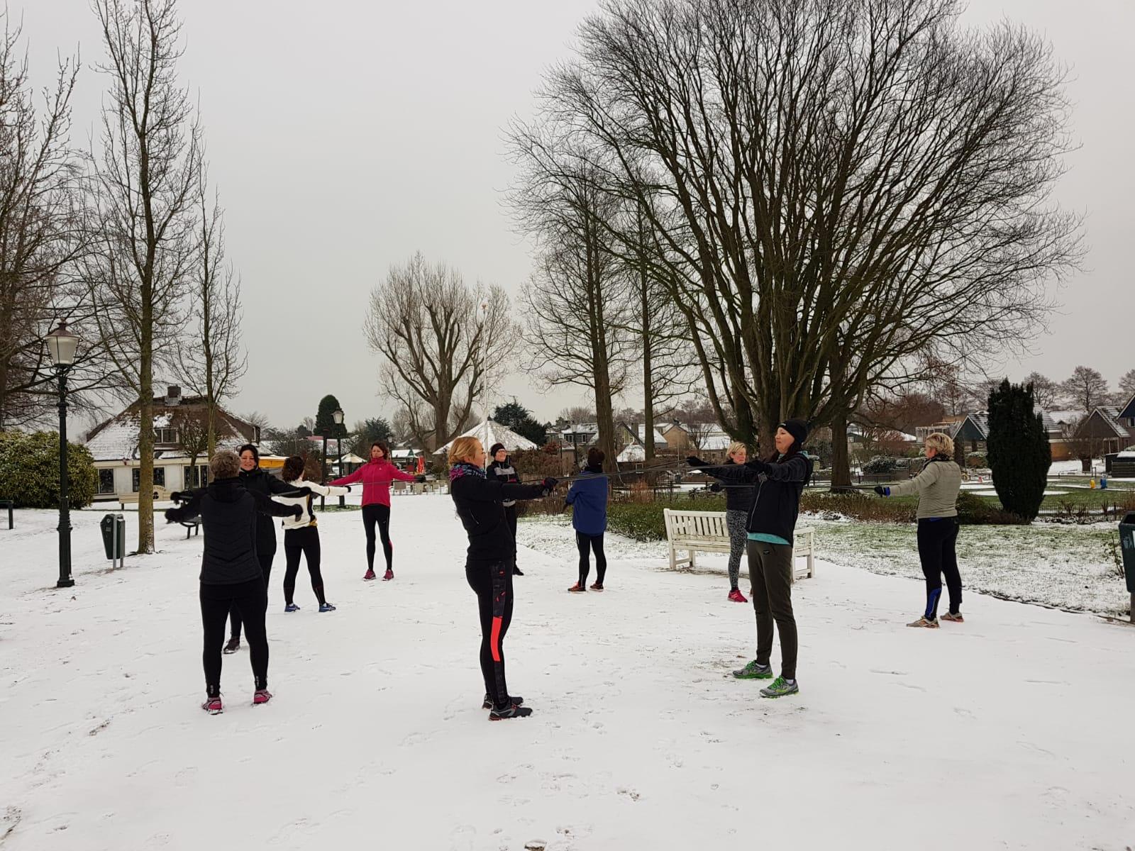 wandelbootcamp in de sneeuw